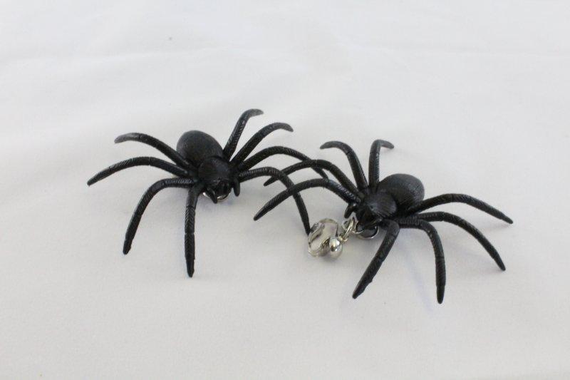 Spinnen-Ohrringe, sortierte Farben, nachtleuchtend, Halloween ...